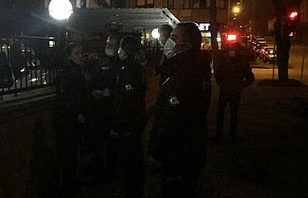 Bolu'da maske takmamak için polise direnen kadına...