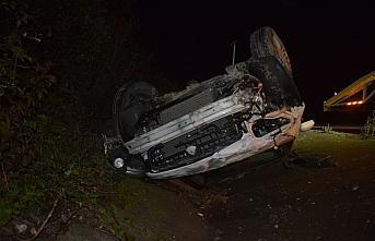 Düzce'de refüje düşen otomobil sürücüsü yaralandı