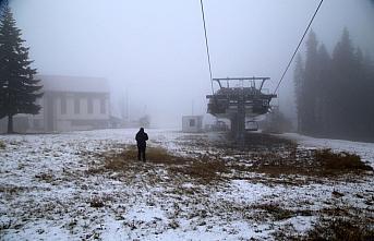 Ilgaz Dağı'na yeterli kar yağmayınca kayakçılar...