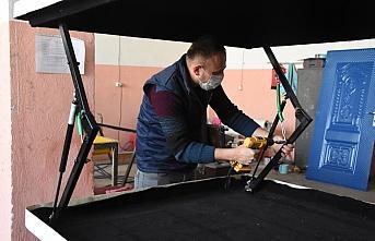 Kalıp ustalarının ürettiği araç üstü kamp çadırları ilgi görüyor