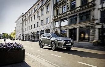 Lexus'un sportif RX Black Line Modeli Türkiye'de