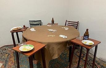 Samsun'da evde kumar oynayan 13 kişiye para...
