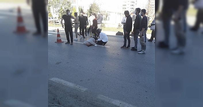 Samsun'da hafif ticari aracın çarptığı bisiklet...