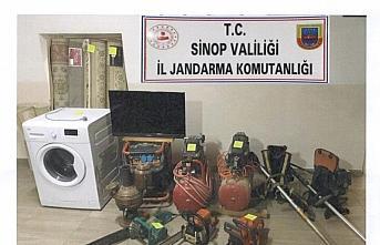 Sinop'ta hırsızlık operasyonunda yakalanan 7 şüpheliden...