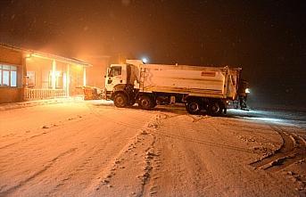 Tokat-Sivas kara yolunda kar ve tipi etkili oldu