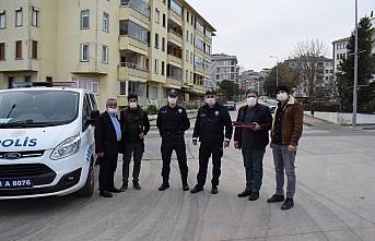 Türk Kızılay ve gazetecilerden güvenlik güçlerine ikram