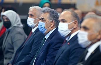 AK Parti Genel Başkan Yardımcısı Yazıcı, partisinin Düzce il kongresinde konuştu: