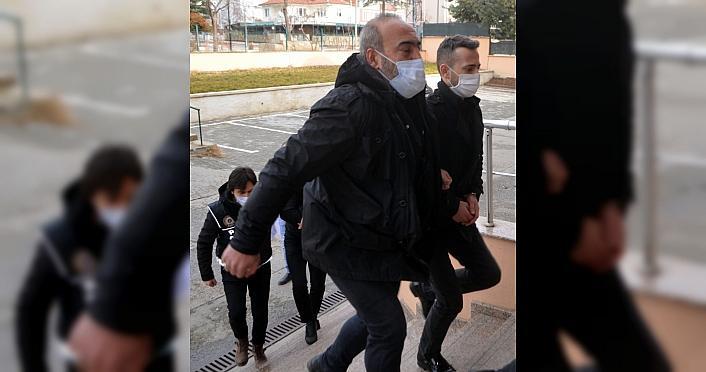Amasya'daki uyuşturucu operasyonu kapsamında 2 şüpheli...