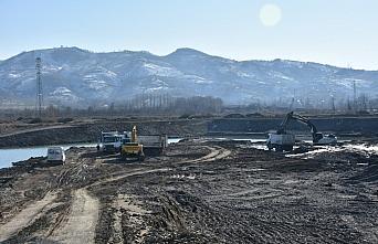Bakan Kasapoğlu, Samsun'da kano durgunsu parkuru inşaatında inceleme yaptı