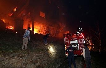 Bakan Soylu, evleri yanan vatandaşlarla telefonda...