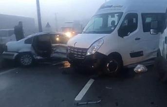 Bartın'da buzlanan yolda zincirleme trafik kazası:...