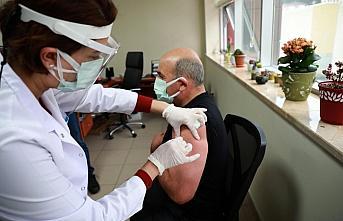 Doğu Karadeniz'de CoronoVac aşısının ilk dozu...