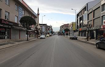 Doğu Marmara ve Batı Karadeniz'de 2021'in ilk gününde cadde ve sokaklarda sessizlik hakim