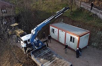 Düzce'de barınma ihtiyacı olan 4 aile konteyner...