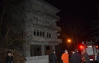 Düzce'de bir apartmanda çıkan yangın söndürüldü