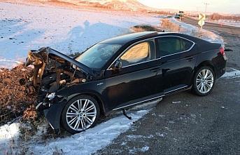 Gümüşhane'de iki otomobil çarpıştı: 1 ölü,...