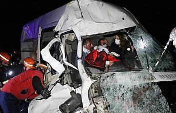 GÜNCELLEME - Anadolu Otoyolu'nda trafik kazası: 6 yaralı