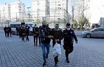 GÜNCELLEME - Samsun'da uyuşturucu operasyonunda yakalanan 6 zanlıdan 3'ü tutuklandı