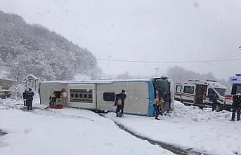 GÜNCELLEME - Zonguldak'ta yolcu otobüsü devrildi:...