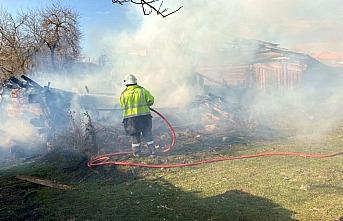 Karabük'te metruk evde çıkan yangın söndürüldü