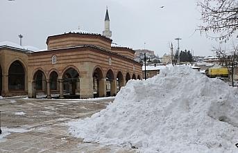 Kastamonu ve Çankırı'da kar etkili oldu