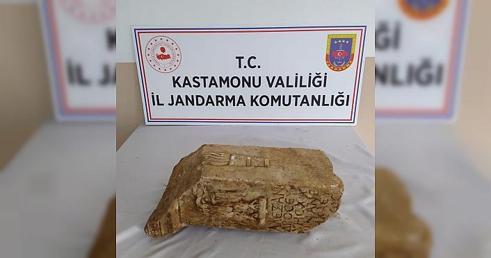 Kastamonu'da Helenistik döneme ait sunağı satmak isteyen kişi yakalandı