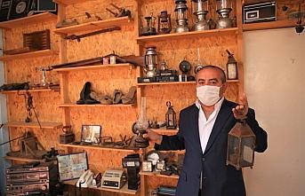 Köyünde oluşturduğu müzede geçmişin kültürünü...
