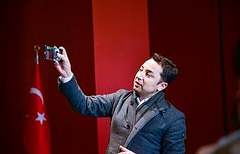 """""""Müzede Selfie Günü""""nde Galaxy S21'in özellikleri de deneyimlendi"""