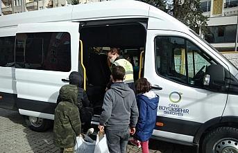 Ordu Büyükşehir Belediyesinden ihtiyaç sahibi çocukları ısıtan yardım