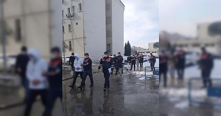 Ordu'da hırsızlık, mala zarar verme ve konut dokunulmazlığını ihlal iddiasıyla ilgili 3 kişi tutuklandı
