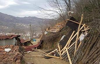 Ordu'da şiddetli rüzgar hasara neden oldu