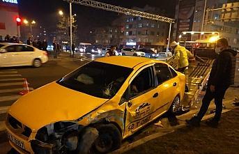 Ordu'da taksi ile otomobil çarpıştı: 4 yaralı