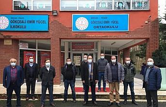 Piraziz'de öğrencilere kışlık giysi yardımı yapıldı