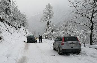 Rize ve Artvin'de 70 köy yolu ulaşıma kapandı