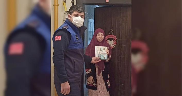Samsun Büyükşehir Belediyesi sosyal medya hesaplarından çekilişle kitap hediye etti
