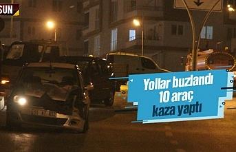 Samsun'da yollar buzlandı, 10 araç birbirine girdi
