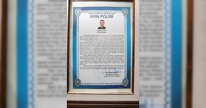 Samsun'da doktora bıçakla saldıran kişiyi etkisiz hale getiren polis memuru ayın polisi seçildi