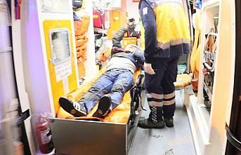 Samsun'da tramvayın çarptığı kişi yaralandı.