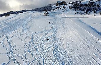 Sezonu açan Keltepe Kayak Merkezi ziyaretçilerini...