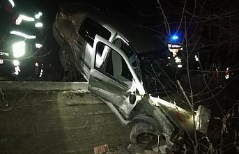 Tokat'ta otomobil şarampole devrildi: 3 yaralı