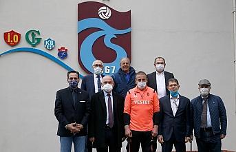 Trabzonspor kurul başkanlarından teknik direktör Avcı'ya ziyaret