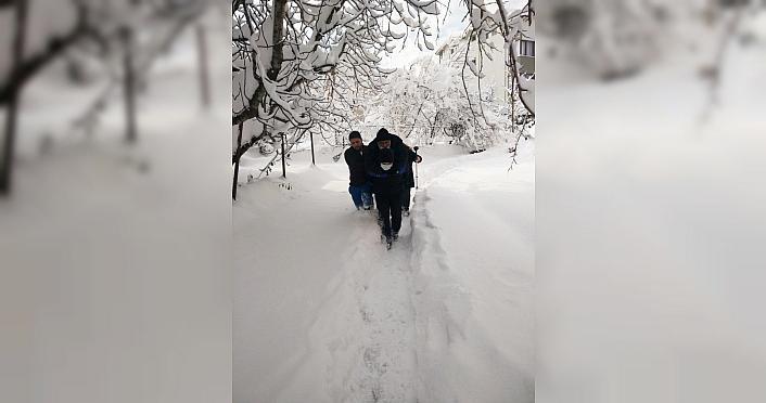 Zonguldak'ta kar yağışı nedeniyle 126 köy yolu ulaşıma kapandı
