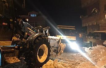 Samsun'da buzlanan yolda tuzlama çalışması yapan belediye işçileri darbedildi