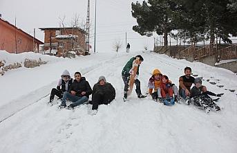 Suluova'da çocuklar karın keyfini çıkardı