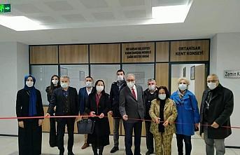 Trabzon'da Ortahisar Kadın Danışma Merkezi Sosyal Destek Hattı hizmete açıldı