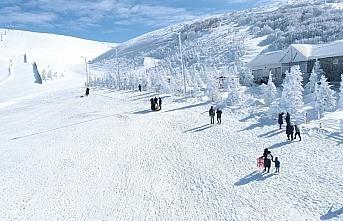 Akdağ Kayak Merkezi son bir haftada 5 bin yerli ve...
