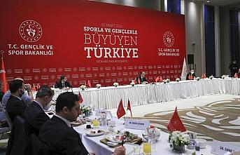 Bakan Kasapoğlu, spor medyasının yöneticileriyle bir araya geldi: (1)