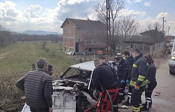 Bartın'da 2 otomobil çarpıştı: 4 yaralı