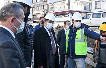 Büyükşehir Belediye Başkanı Demir, Subaşı Meydanı'ndaki...