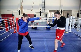 Genç Kadınlar Boks Milli Takımı'nın dünya şampiyonası hazırlıkları, Kastamonu'da başladı